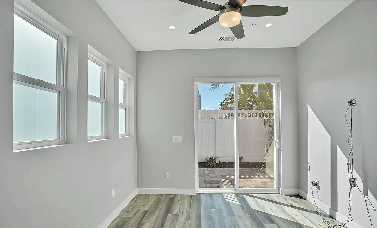 adu-living-room-sliding-glass-door