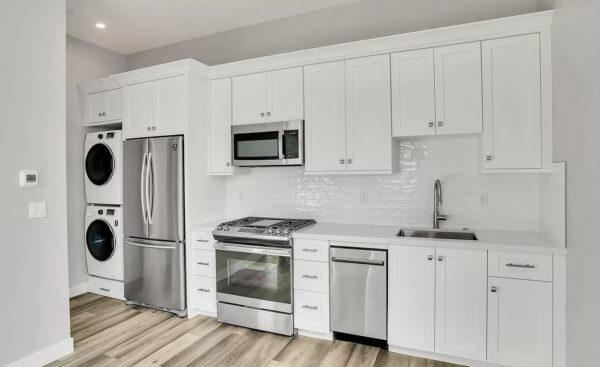 adu-kitchen-white-stainless-laundry