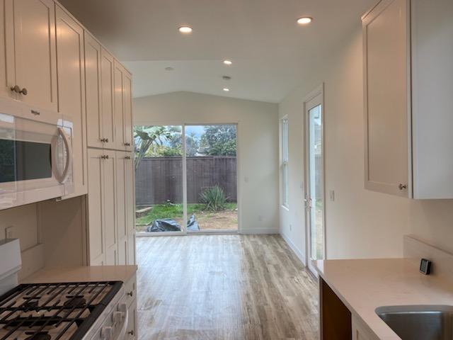 PRADU Interior Kitchen Accessory Dwelling Unit